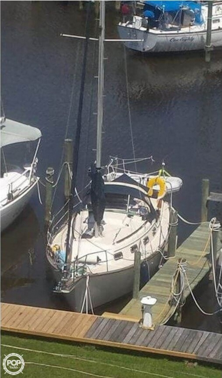 Used Island Packet 27 Racer and Cruiser Sailboat For Sale