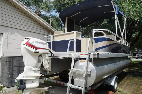 Used Bennington 20 SF Pontoon Boat For Sale
