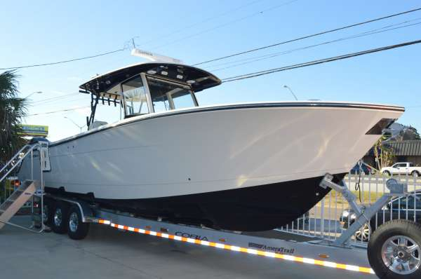 New Cobia Boats 344 CC Center Console Fishing Boat For Sale