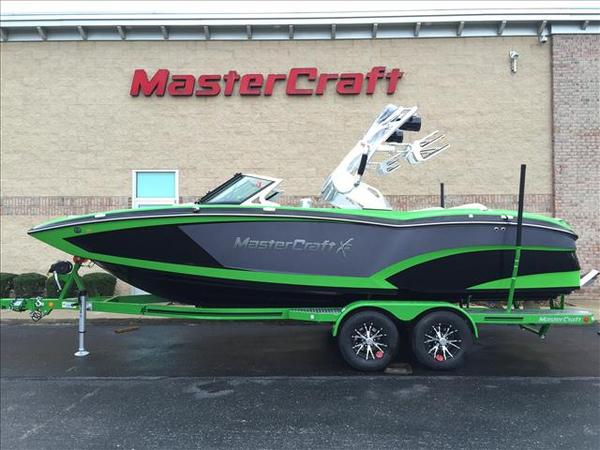 New Mastercraft X23 Ski and Wakeboard Boat For Sale