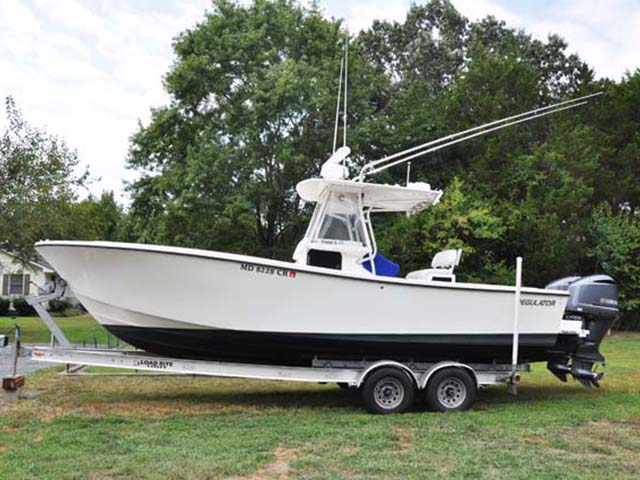 1997 used regulator 26 classic center console fishing boat for Center console fishing boats for sale