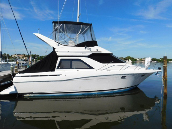 Used Bayliner 3488Avanti Command Bridge Motor Yacht For Sale