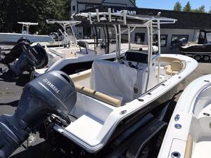 New Sportsman 211 Heritage Center Console Fishing Boat For Sale