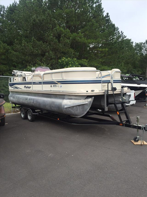 Used Fisher Freedom 220 DLX Pontoon Boat For Sale