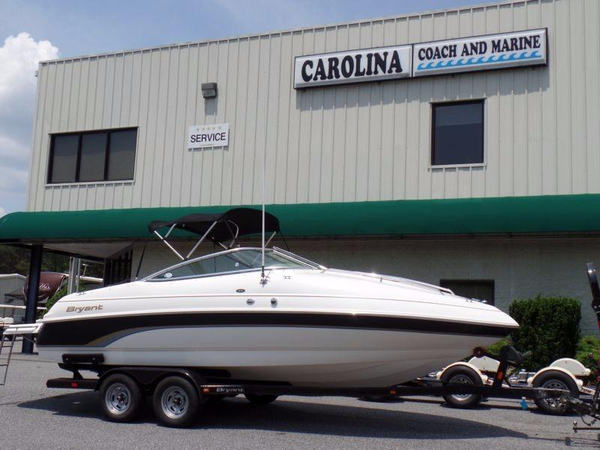 Used Bryant 214 Limited Runabout Boat For Sale