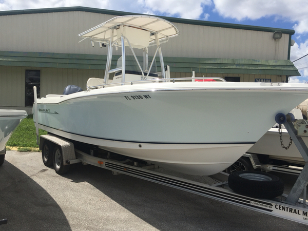 Used Sea Hunt Sea Hunt 232 Ultra Center Console Fishing Boat For Sale