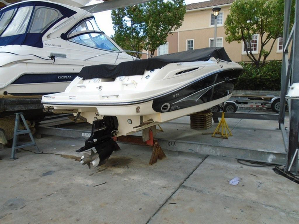 Used Sea Ray 270 Select EX Sports Cruiser Boat For Sale