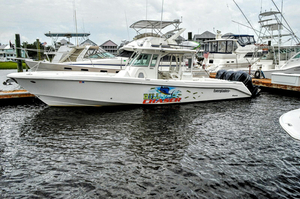 Used Everglades 350CC Center Console Fishing Boat For Sale