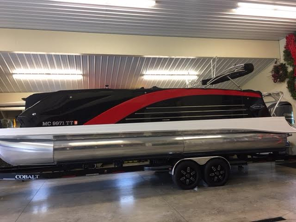 Used Marker One M27 Pontoon Boat For Sale