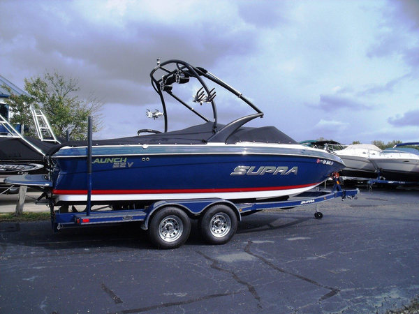 Used Supra 22V Launch Ski and Wakeboard Boat For Sale