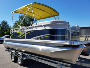 New Qwest LS 820 Splash Pad Pontoon Boat For Sale