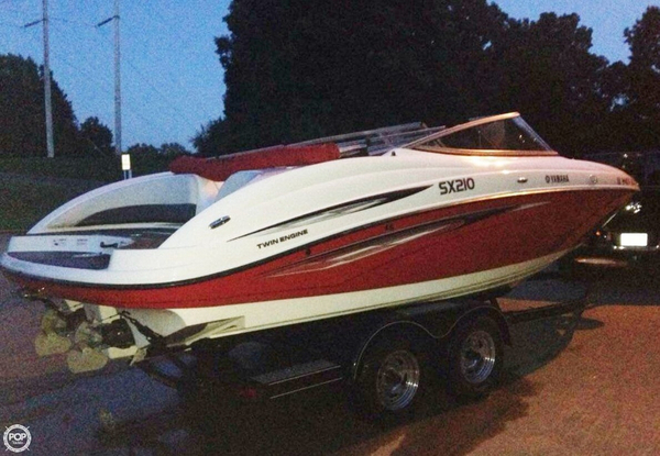 Used Yamaha SX210 Bowrider Boat For Sale