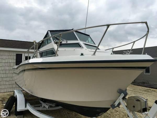 Used Grady-White Seafarer 226 Walkaround Fishing Boat For Sale