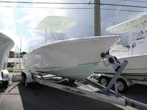 New Sea Hunt Center Console Fishing Boat For Sale