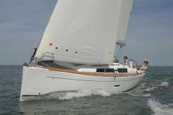 Used Dufour 335 Grand Large Racer and Cruiser Sailboat For Sale