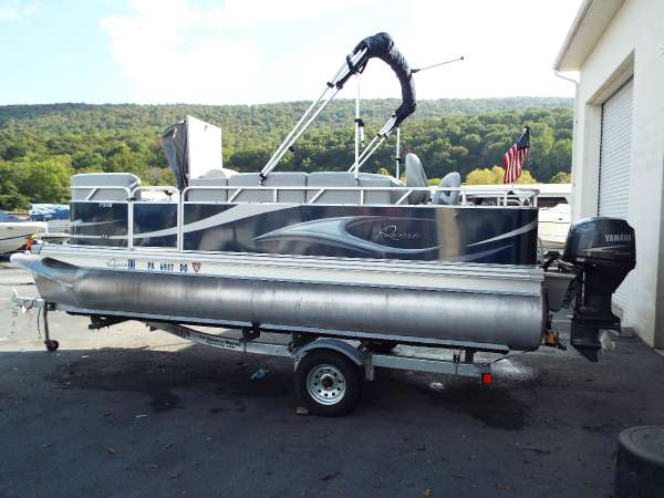 Used Quest 7518 LS Pontoon Boat For Sale