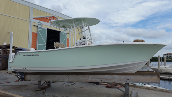 New Sportsman Boats Heritage 231 Center Console Center Console Fishing Boat For Sale
