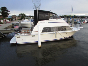 Used Carver Mariner 2897 Flybridge Boat For Sale