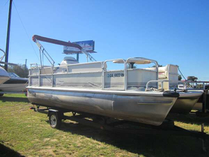 Used Voyager Marine 20 Cruise Pontoon Boat For Sale