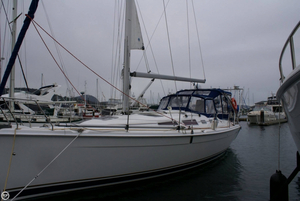 Used Hunter 38 Racer and Cruiser Sailboat For Sale