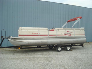 Used Sylvan 24 ELITE Pontoon Boat For Sale