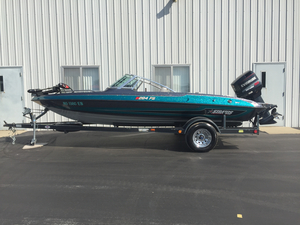 Used Stratos 284FS Ski and Fish Boat For Sale