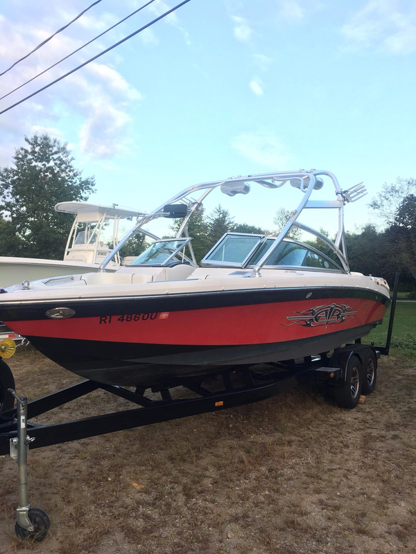 Used Nautique 0715 Crossover 236 Ski and Wakeboard Boat For Sale