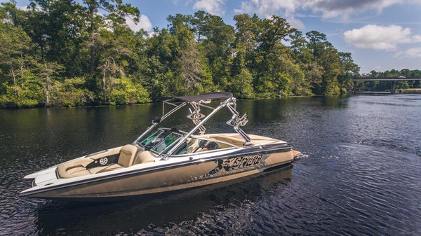 Used Mastercraft X-Star SS Ski and Wakeboard Boat For Sale