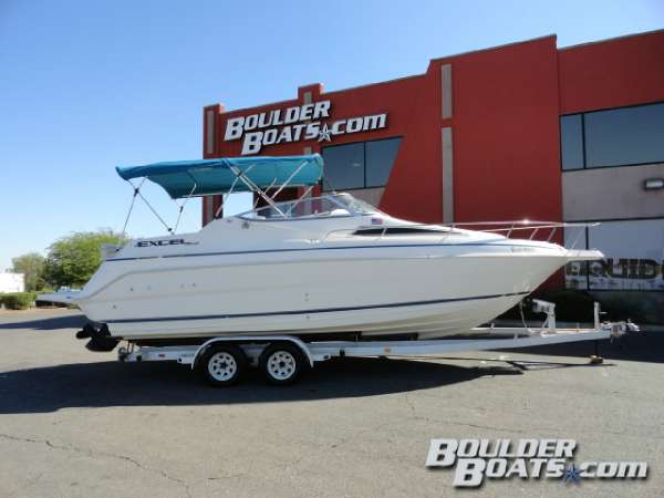 Used Wellcraft Excel 26 SE Cruiser Boat For Sale