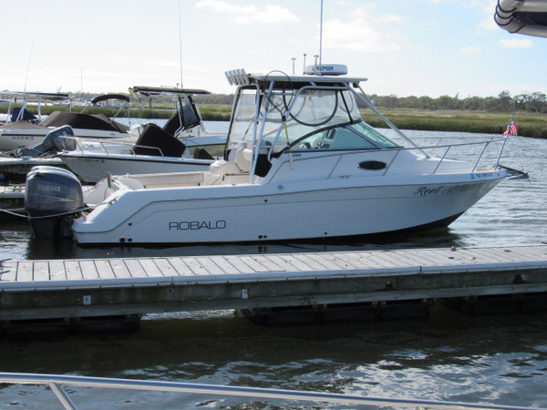 Used Robalo 265 walk around Walkaround Fishing Boat For Sale