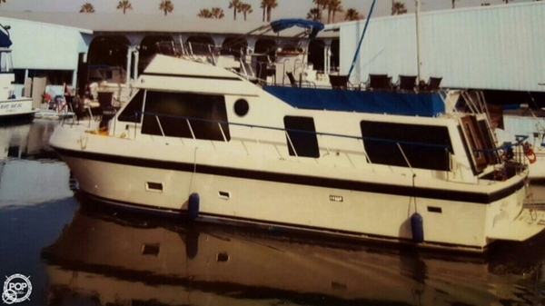 Used Bluewater 40 Flybridge Sedan Cruiser Boat For Sale