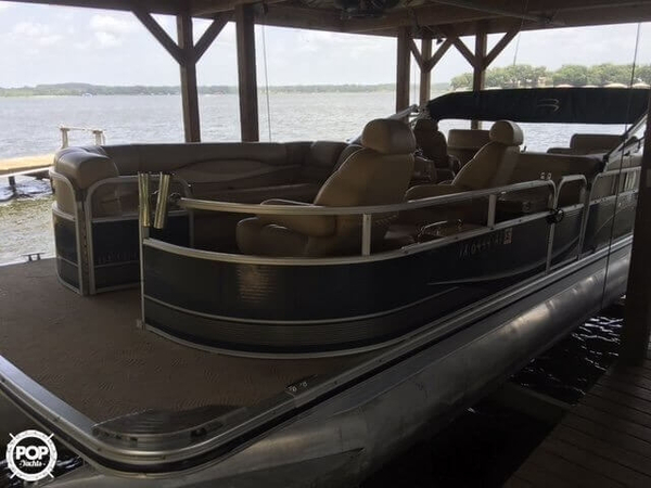 Used Bennington 2575 Pontoon Boat For Sale