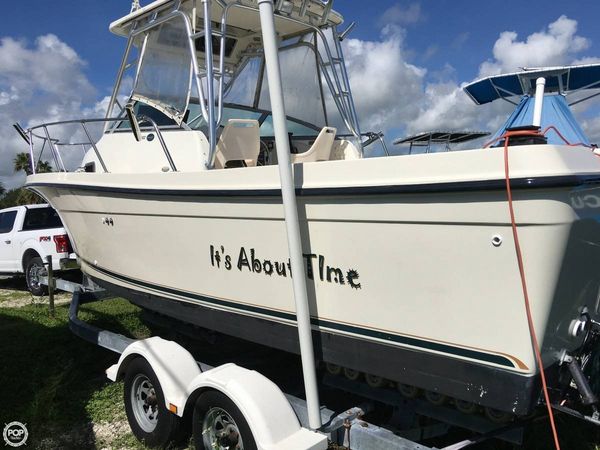 Used Trophy 2302 FP Walkaround Fishing Boat For Sale