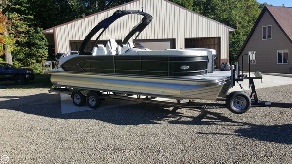 Used Manitou 25 X-plode SHP Tritoon Pontoon Boat For Sale