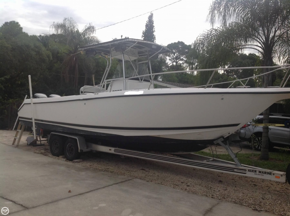 1999 used century 3000 center console fishing boat for for Used fishing boats for sale in florida