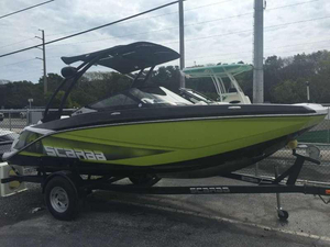 New Scarab 195 H.O. Platinum Ski and Wakeboard Boat For Sale