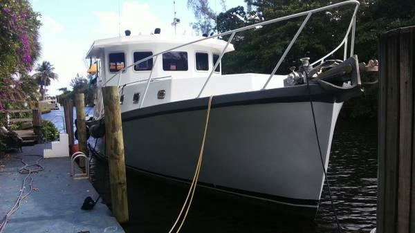 Used Uniflite Motor Yacht Trawler House Boat For Sale