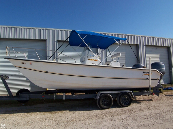 Used Twin Vee 22 Awesome Center Console Cat Power Catamaran Boat For Sale