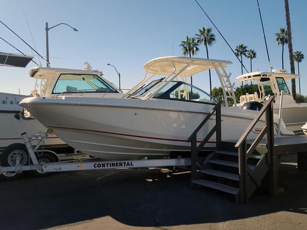 New Boston Whaler 230 Vantage Dual Console Boat For Sale