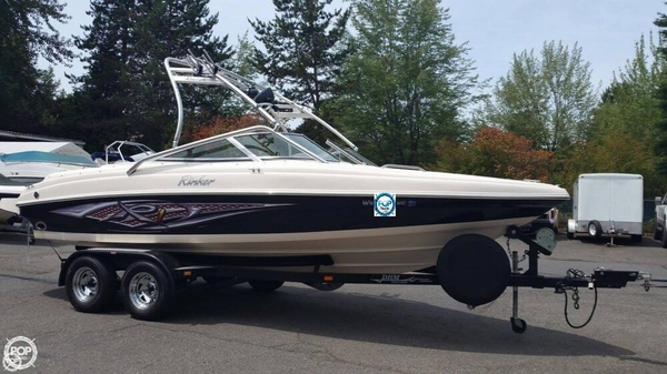 Used Rinker CAPTIVA 212 Bowrider Boat For Sale