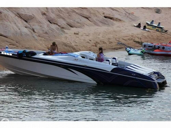 Used Magic Wizard 29 Open Bow Mid Cabin High Performance Boat For Sale