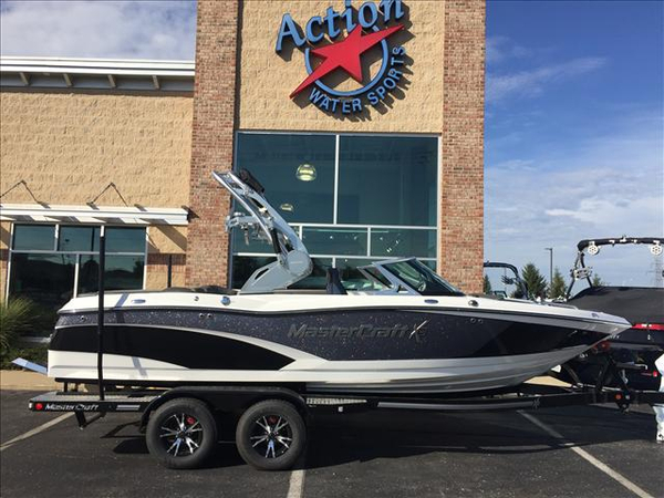 New Mastercraft X10 Ski and Wakeboard Boat For Sale