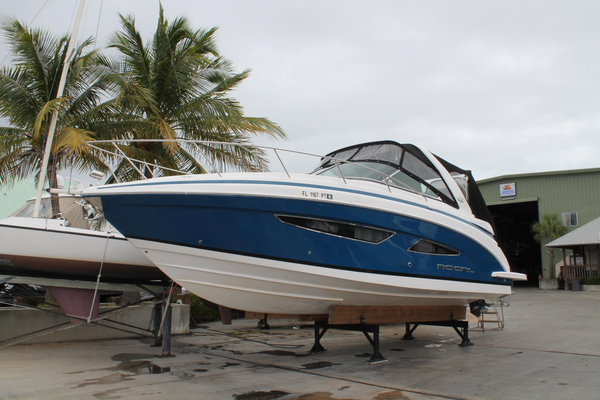 Used Regal 32 Express Cruiser Boat For Sale