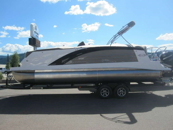 Used Marker One M 27 Pontoon Boat For Sale
