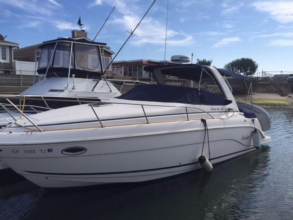 Used Rinker Fiesta Vee 290 Cruiser Boat For Sale