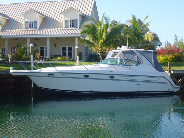 Used Maxum 3700 SCR Diesel Express Cruiser Boat For Sale