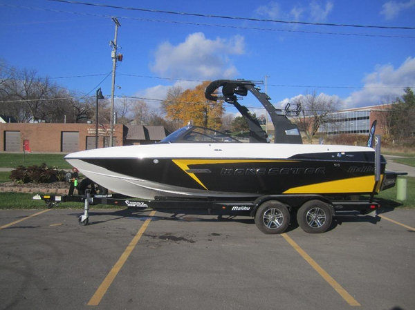 Used Malibu 22 VLX Wakesetter Ski and Wakeboard Boat For Sale