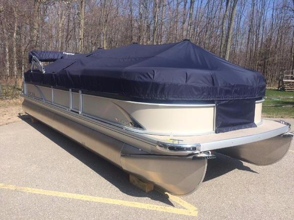 Used Premier 250 SunSation RF Pontoon Boat For Sale