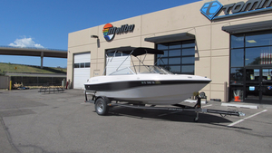 Used Four Winns 190 Horizon LE Runabout Boat For Sale
