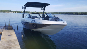 Used Malibu Wakesetter 22 VLX Ski and Wakeboard Boat For Sale